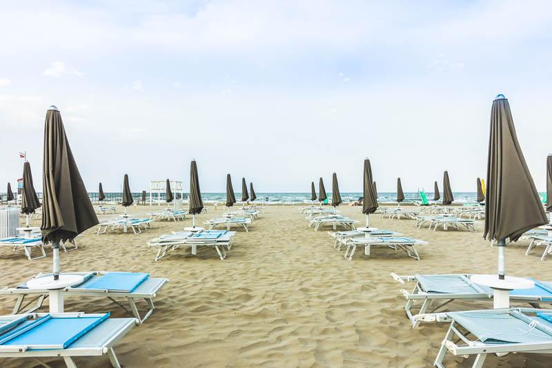 Sunday Beach 117-118