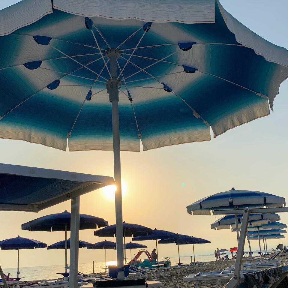 Blueout Stabilimento Balneare & Beach Bar