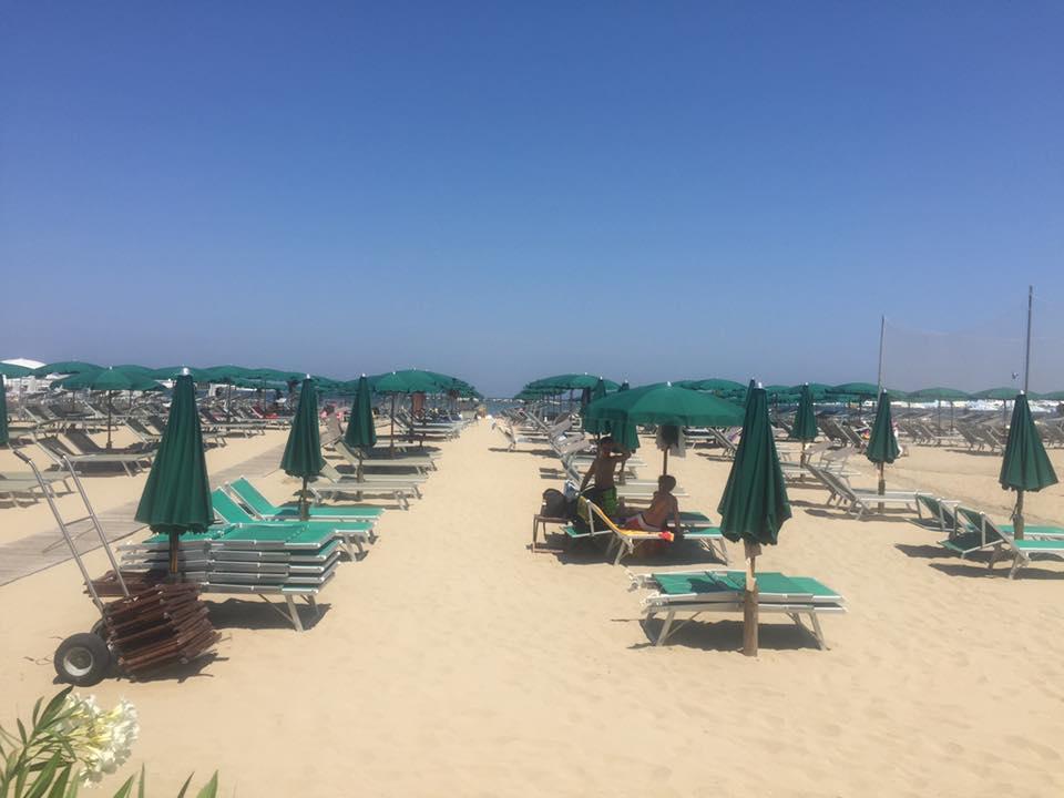 Bagno Chino Local Beach