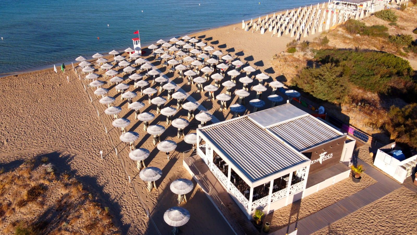 Zona Franca Lounge Beach