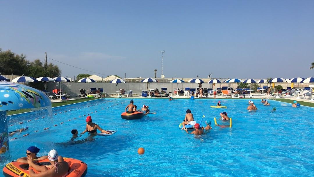 L'Incanto Pool Club