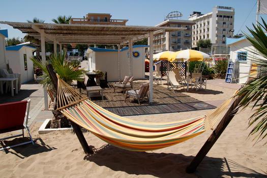 Onde Beach 70-71