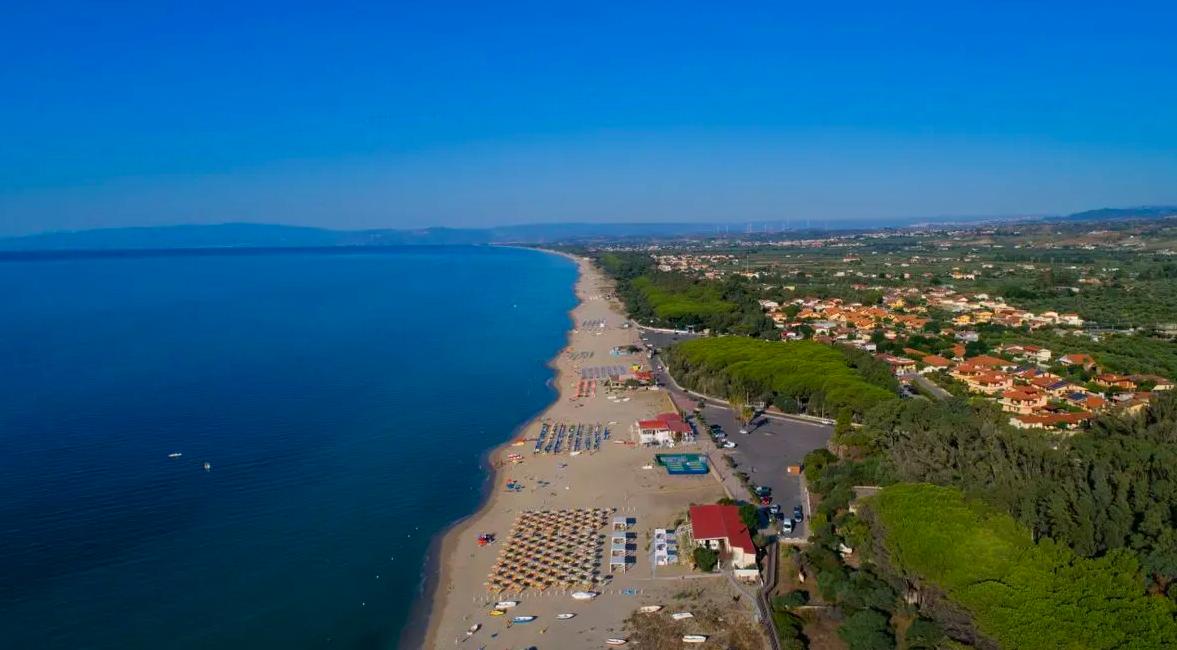 Mapapi Beach