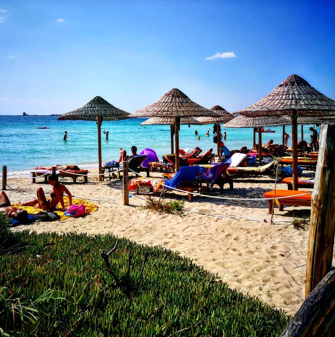 Lido Hookipa Beach