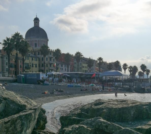 Spiaggia Libera Di Pegli