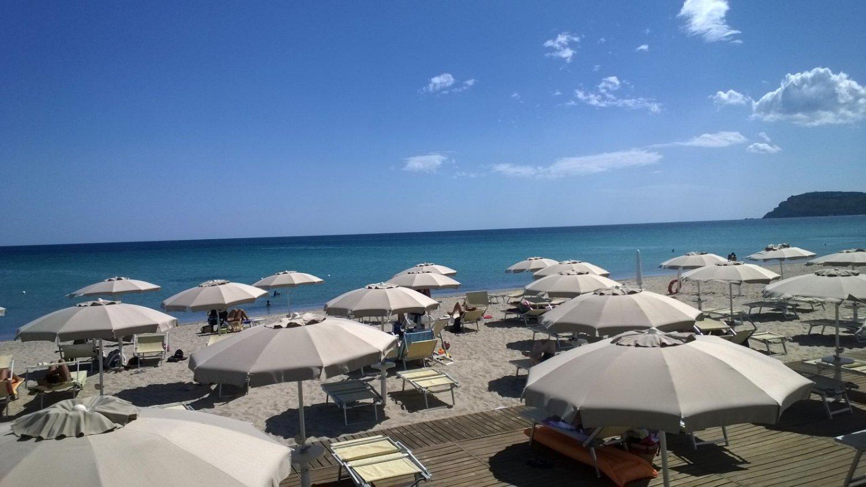 Chiringuito Lounge Bar Restaurant & Easy Playa