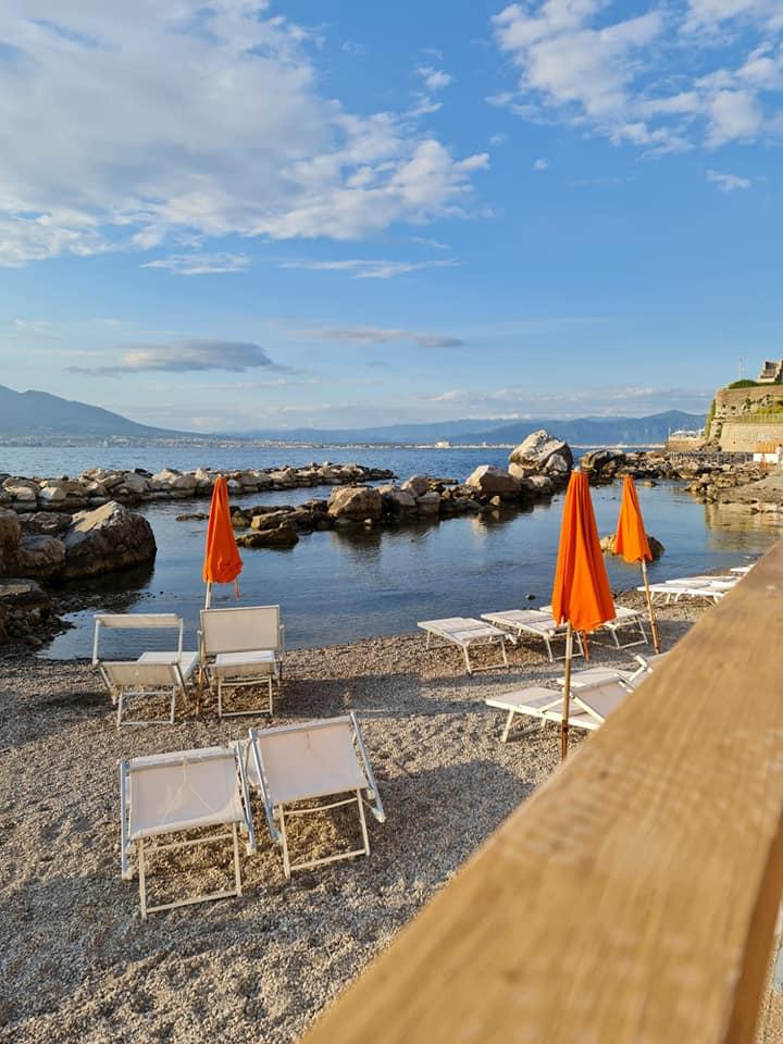 Rotonda Lounge Beach