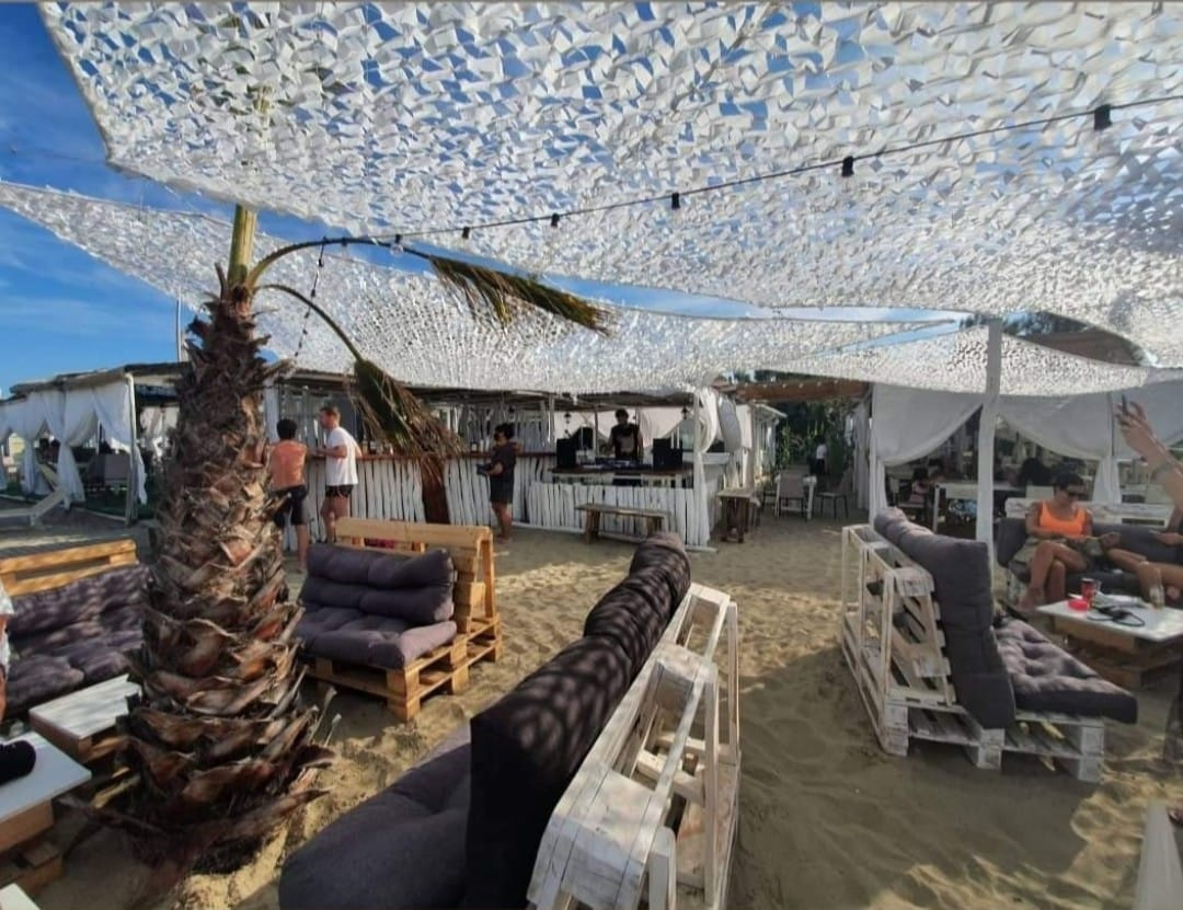 Jamaica Beach Bar Restaurant