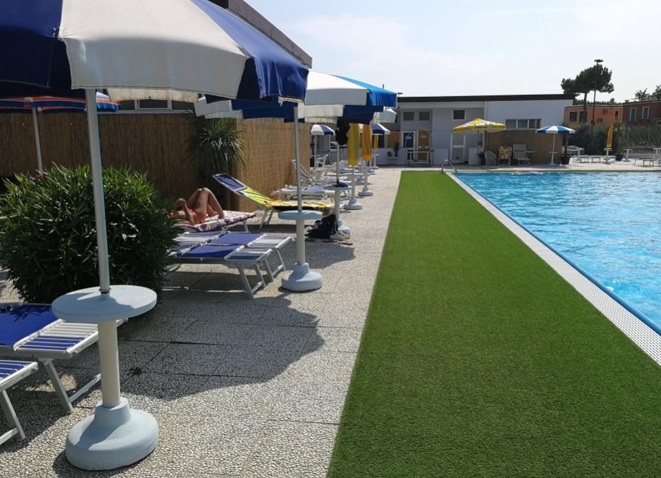 Aquarama Beach & Pool