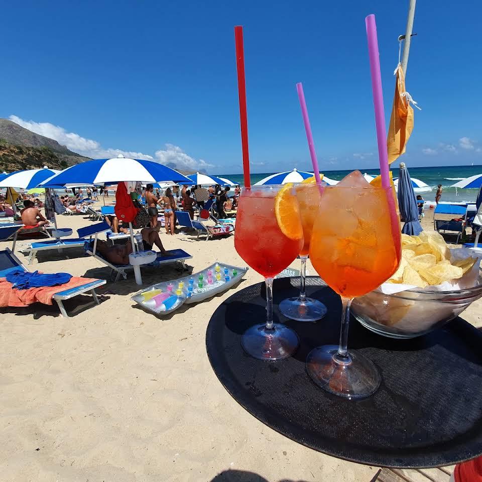 Lido Sunrise Beach Club