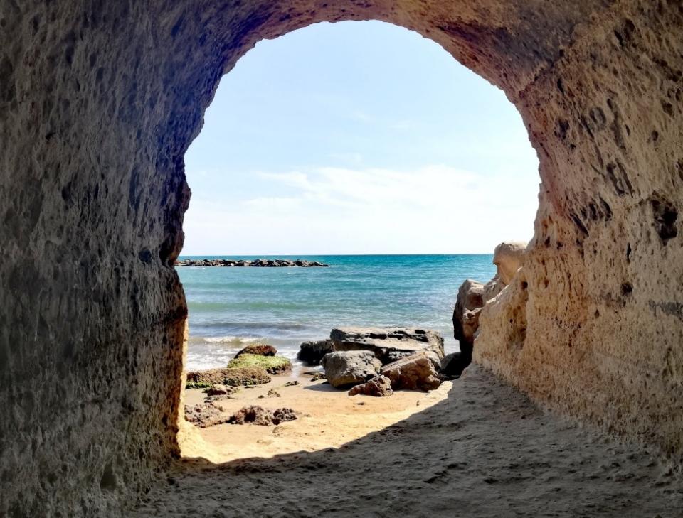 Grotte Di Nerone