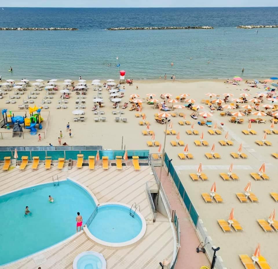 Hotel Adria Beach