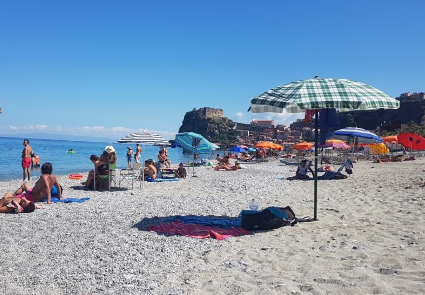 Spiaggia Libera Di Scilla