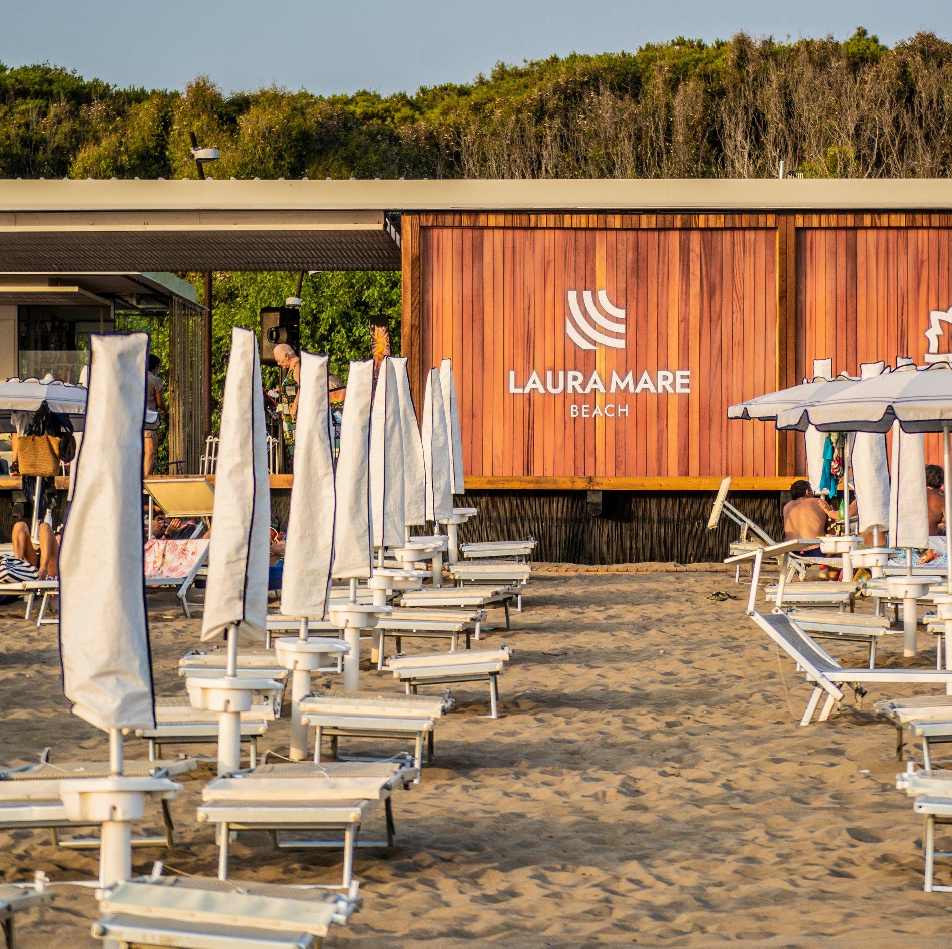 Laura Mare Beach