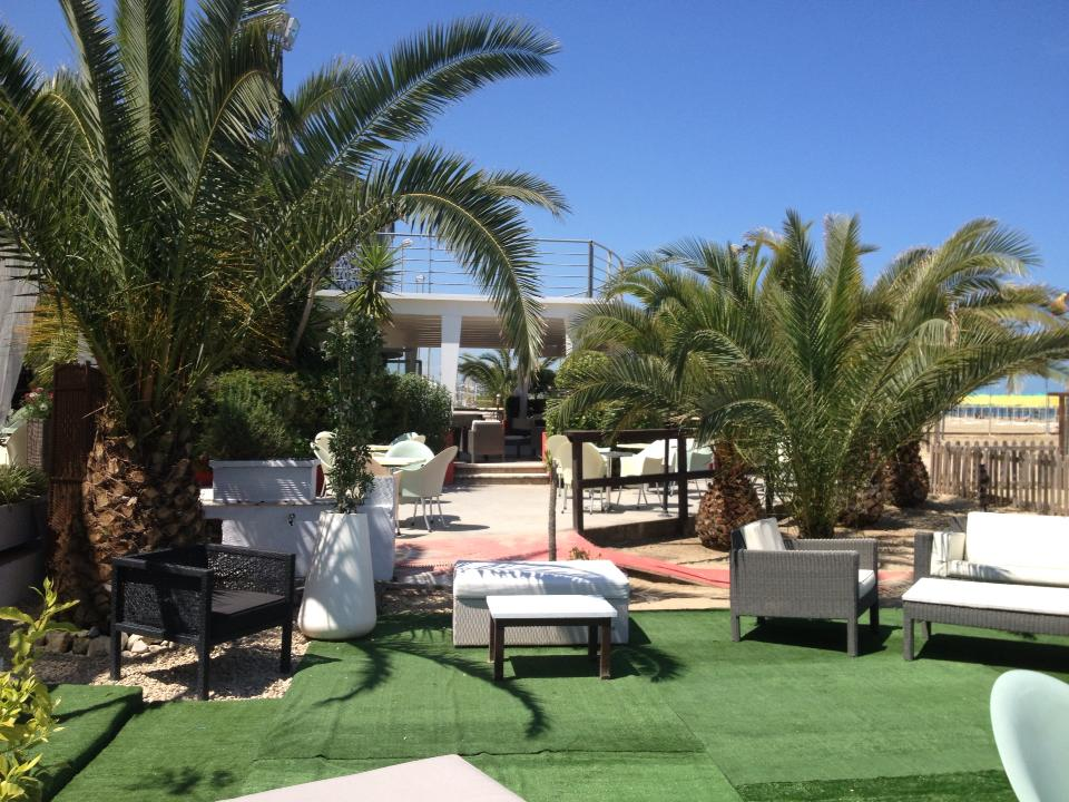 4Vele Beach Resort Restaurant Bar