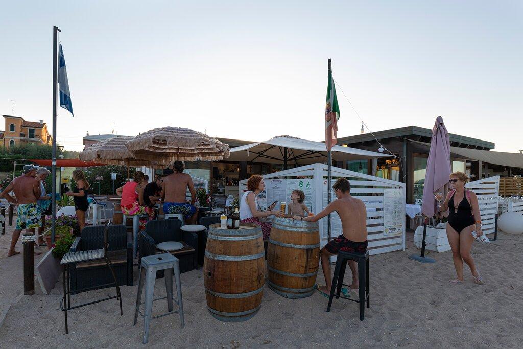 Giri Beach