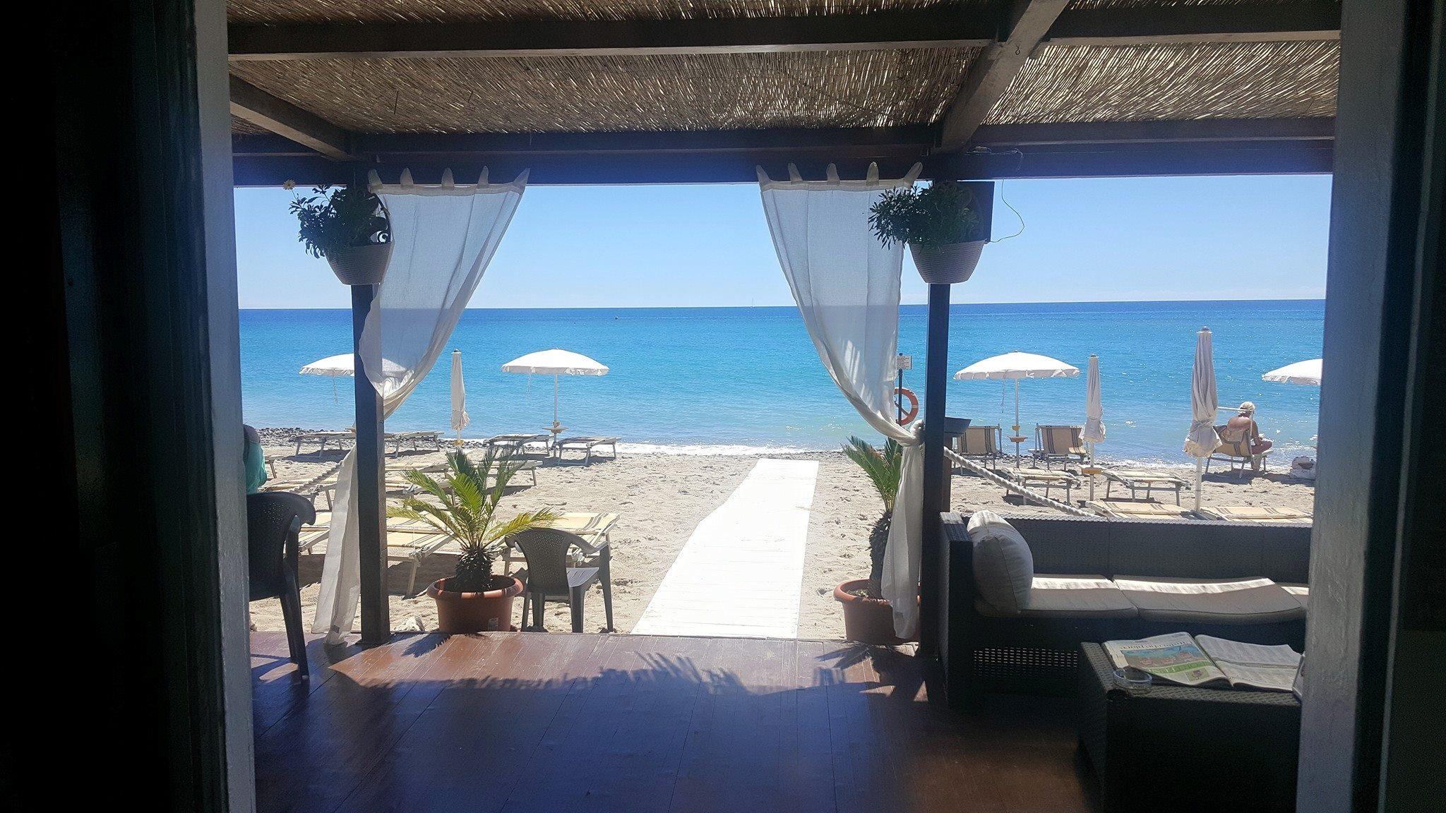 Daruma Beach